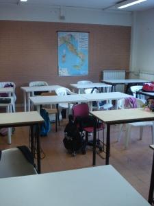 Alla scuola media Majorana bambini a caccia di sedie